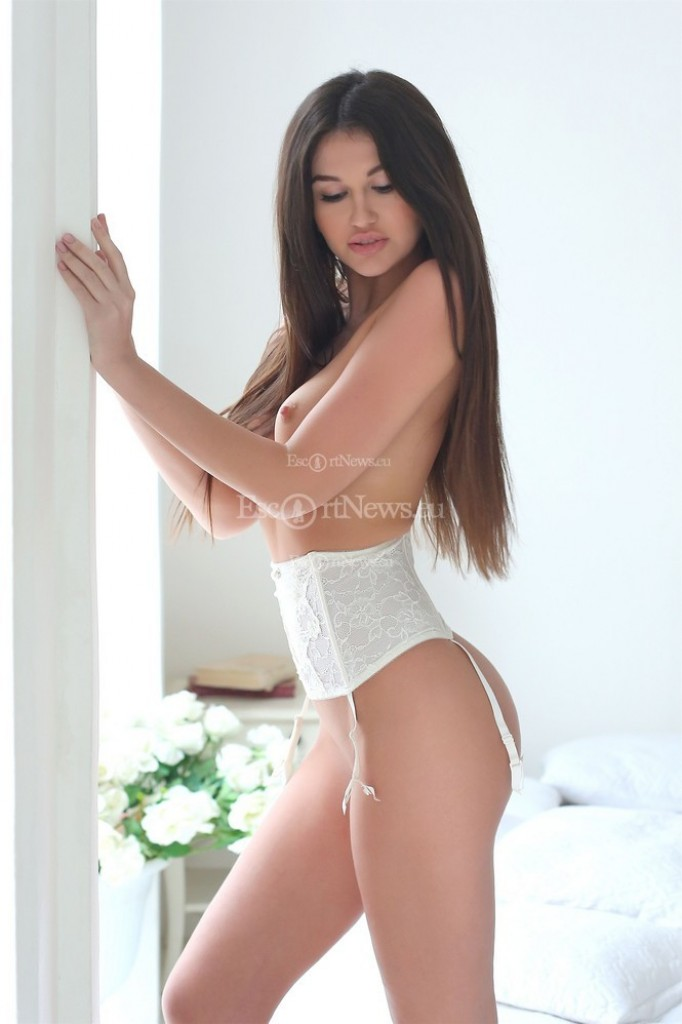 ESCORT IN Athens - Megan